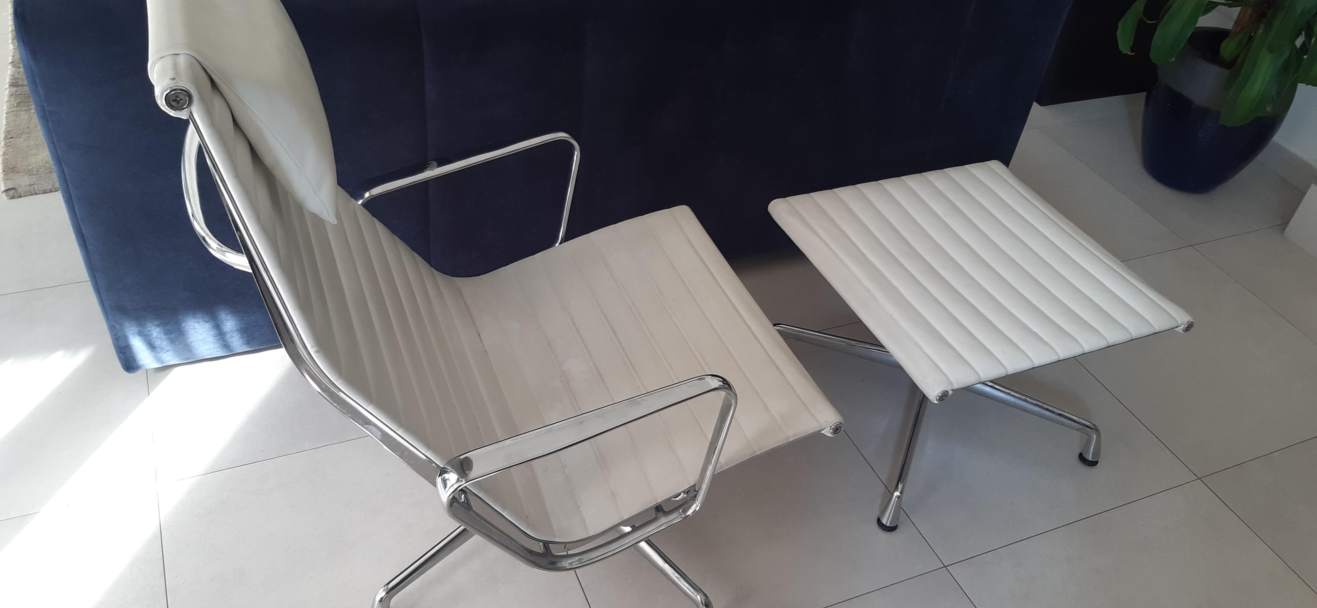White 2006 Vitra Eames Alu Group Lounge Chair