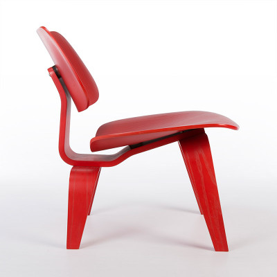 Profile view of the Eames LCW plywood chair