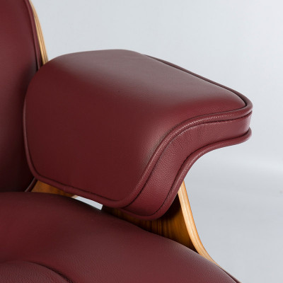 Eames Lounger has always been available in many colors including red