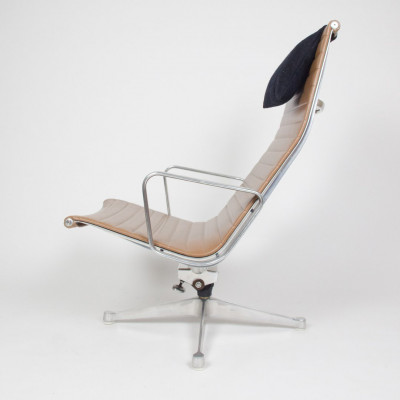 Portrait view of Alu Recliner showing Tilt mechanism only used on 1st Gen (image courtesy of D Rose Mod)