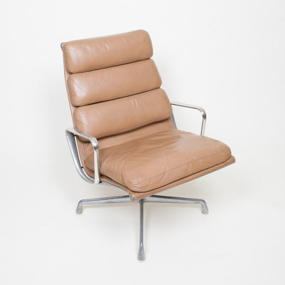 1st Generation Soft Pad Lounger on Universal 4 leg base in Tan Leather