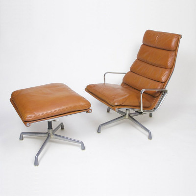 1970's first generation Soft Pad Recliner and Ottoman set in perfect Tan leather (image courtesy of D Rose Mod)