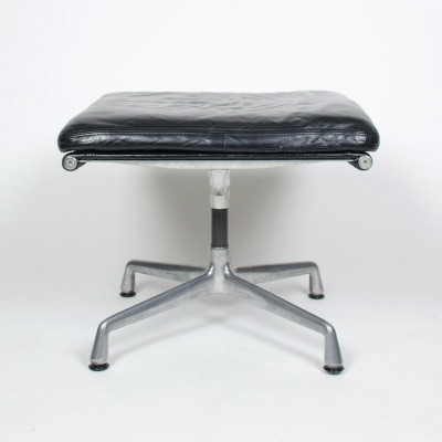 Soft Pad Ottoman in fantastic condition upholstered in classic black leather (image courtesy of D Rose Mod)