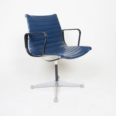First generation Alu Group Side Chair in Blue Naugahyde Upholstery (Image courtesy of D Rose Mod)
