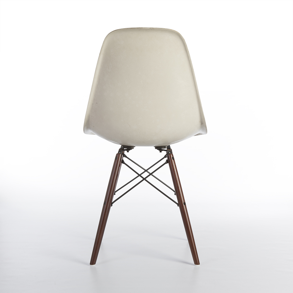 White 1950s Herman Miller Eames DSW Dowel Side Chairs in very good condition