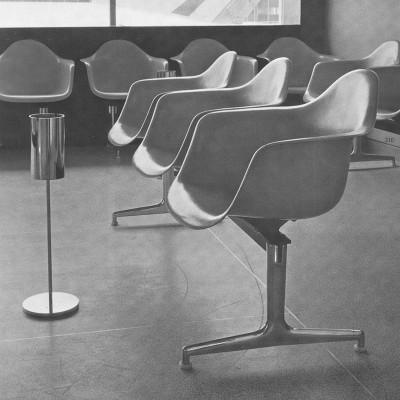 Early 1964 Herman Miller catalog photograph depicting the Tandem system with Fiber Arm Shells