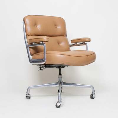 Tan Leather Time Life Desk Chair on castors (image courtesy of D Rose Mod)