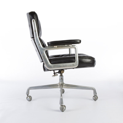 Side view shot captures the angle of the Time Life Desk Chair