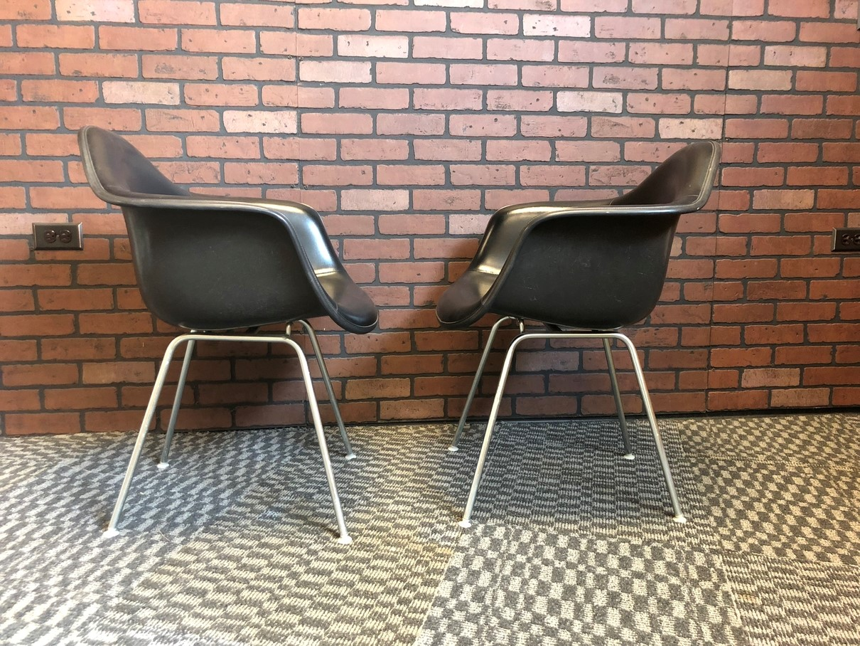 Black 1987 Herman Miller Eames DAX (& Variants) Arm Side Chairs in excellent condition