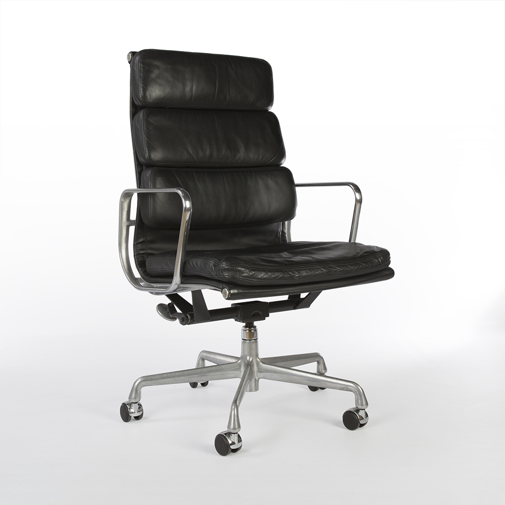 Black 2004 Herman Miller Eames Soft Pad high Back Side Chair Office Chairs in very good condition