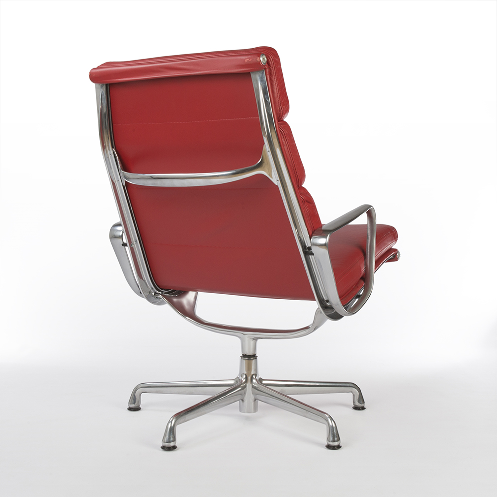 Red 2007 Herman Miller Eames Soft Pad Lounge Chair Lounge Seating in very good condition