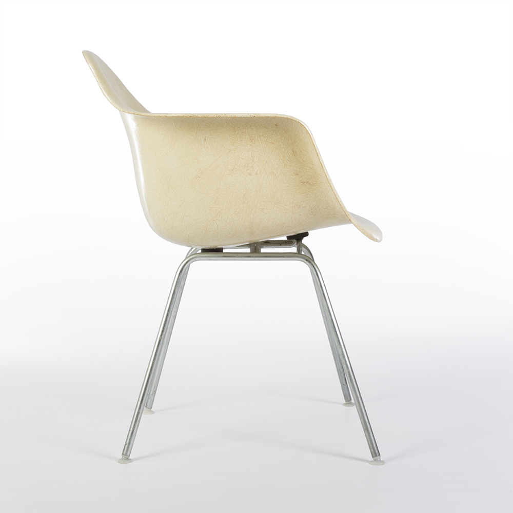 Parchment White 1960 Herman Miller Eames DAX (& Variants) Arm Chairs in very good condition
