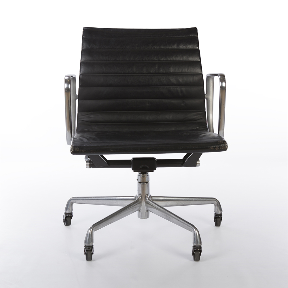 Black 2000s Herman Miller Eames Alu Group Low Back Side Chair Office Chairs in excellent condition