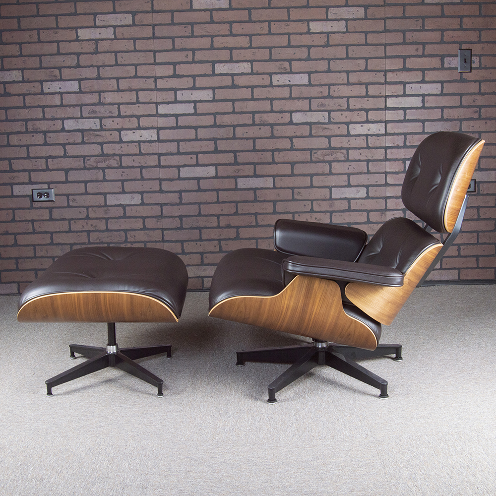 Brown 2017 Herman Miller Eames Eames Lounge Chair & Ottoman Lounge Seating in mint condition