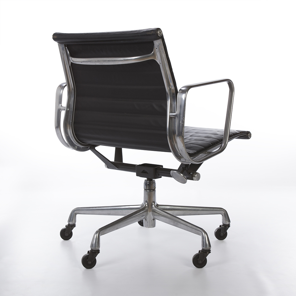 Black 2000s Herman Miller Eames Alu Group Low Back Side Chair Office Chairs in very good condition