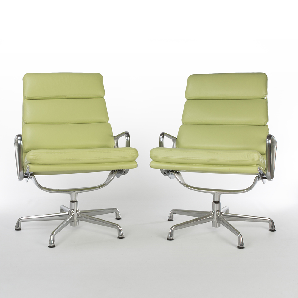 Green 2007 Herman Miller Eames Soft Pad Lounge Chair Lounge Seating in very good condition