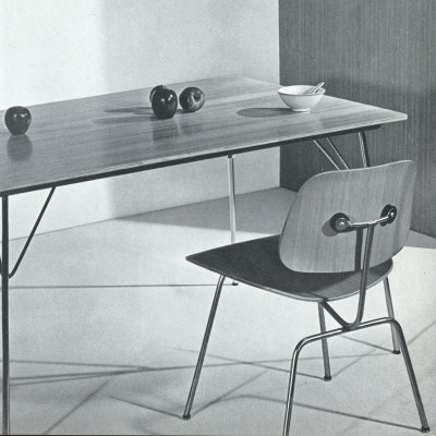 Original 1952 Herman Miller brochure photograph with a DTM-10 table