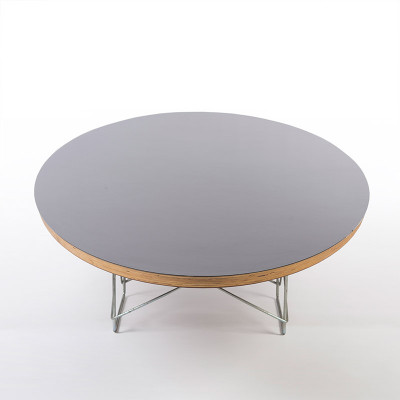 The Eames ETR coffee table as seen from end to end