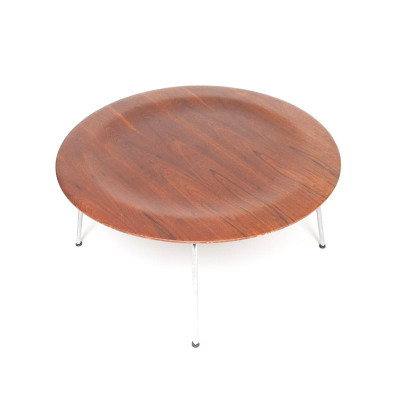 Early Evans Eames CTM Table with a Walnut plywood top and Chrome base