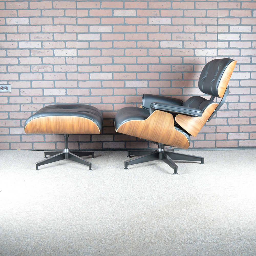 Black 2016 Herman Miller Eames Eames Lounge Chair & Ottoman Lounge Seating in mint condition