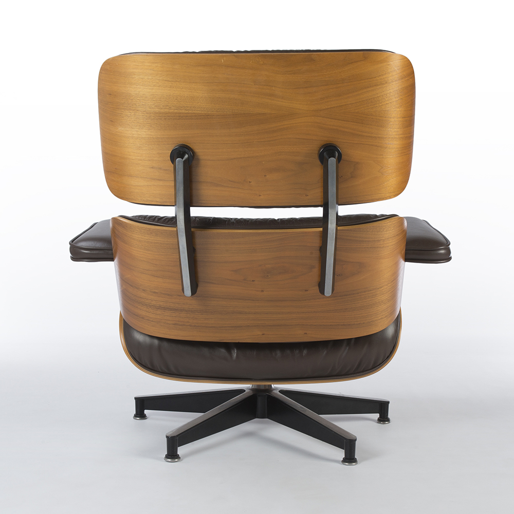 Brown 1990s Herman Miller Eames Eames Lounge Chair & Ottoman Lounge Seating in very good condition