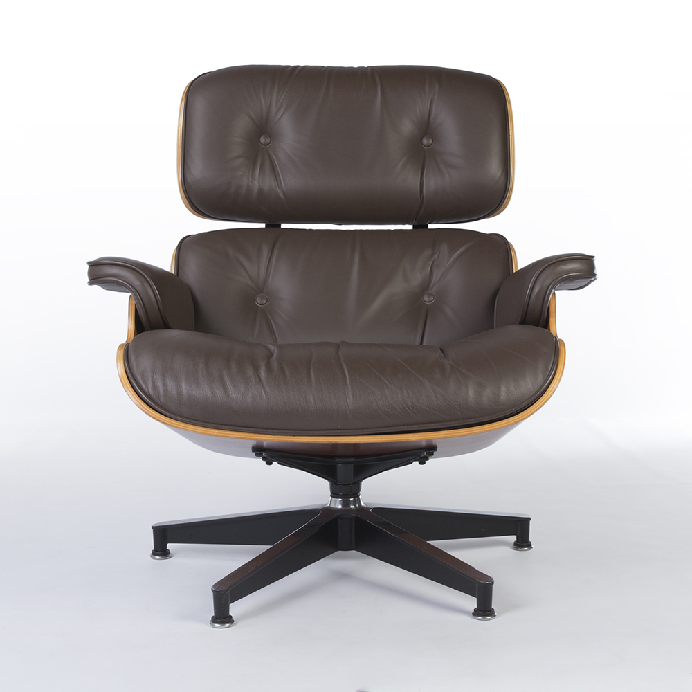 Brown 1980s Herman Miller Eames Lounge Chair & Ottoman Lounge Seating in very good condition