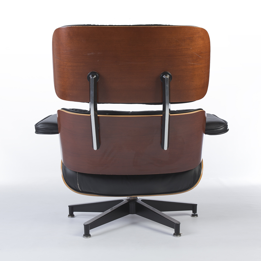 Black 1980s Herman Miller Eames Lounge Chair & Ottoman Lounge Seating in very good condition