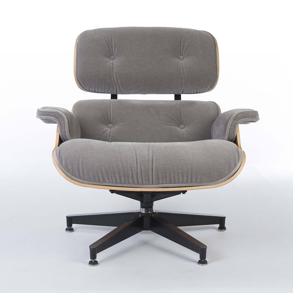 Grey 2010s Herman Miller Eames Lounge Chair & Ottoman Lounge Seating in excellent condition