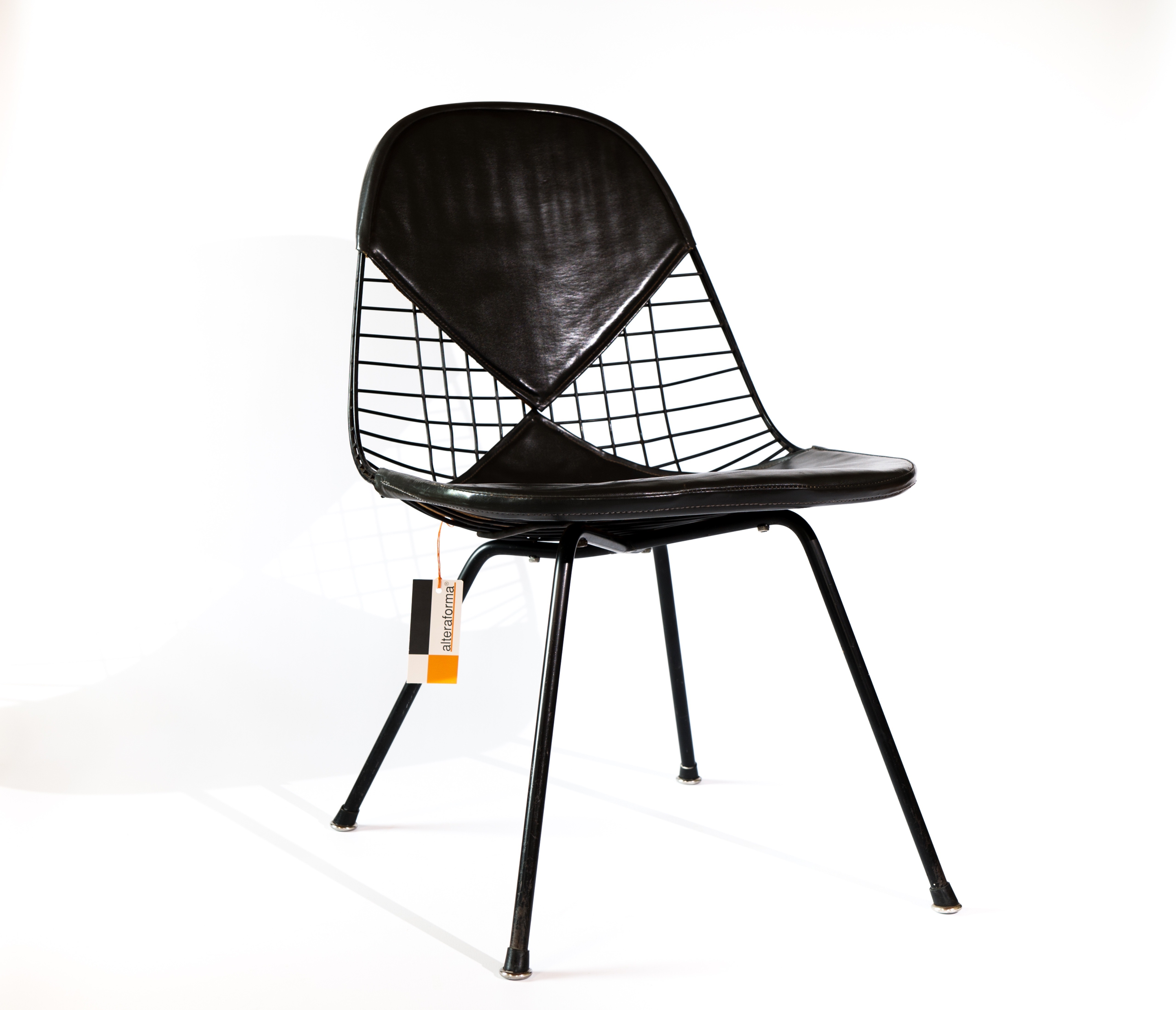 Dark Tone 1953 Herman Miller Eames DKX - X-Base Wire Side Chairs in very good condition