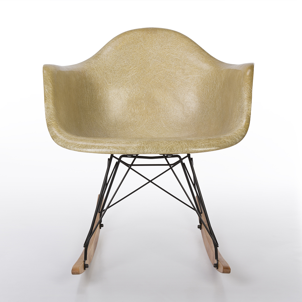 Parchment White 1950s Herman Miller Eames RAR Rocking Arm Chairs in very good condition