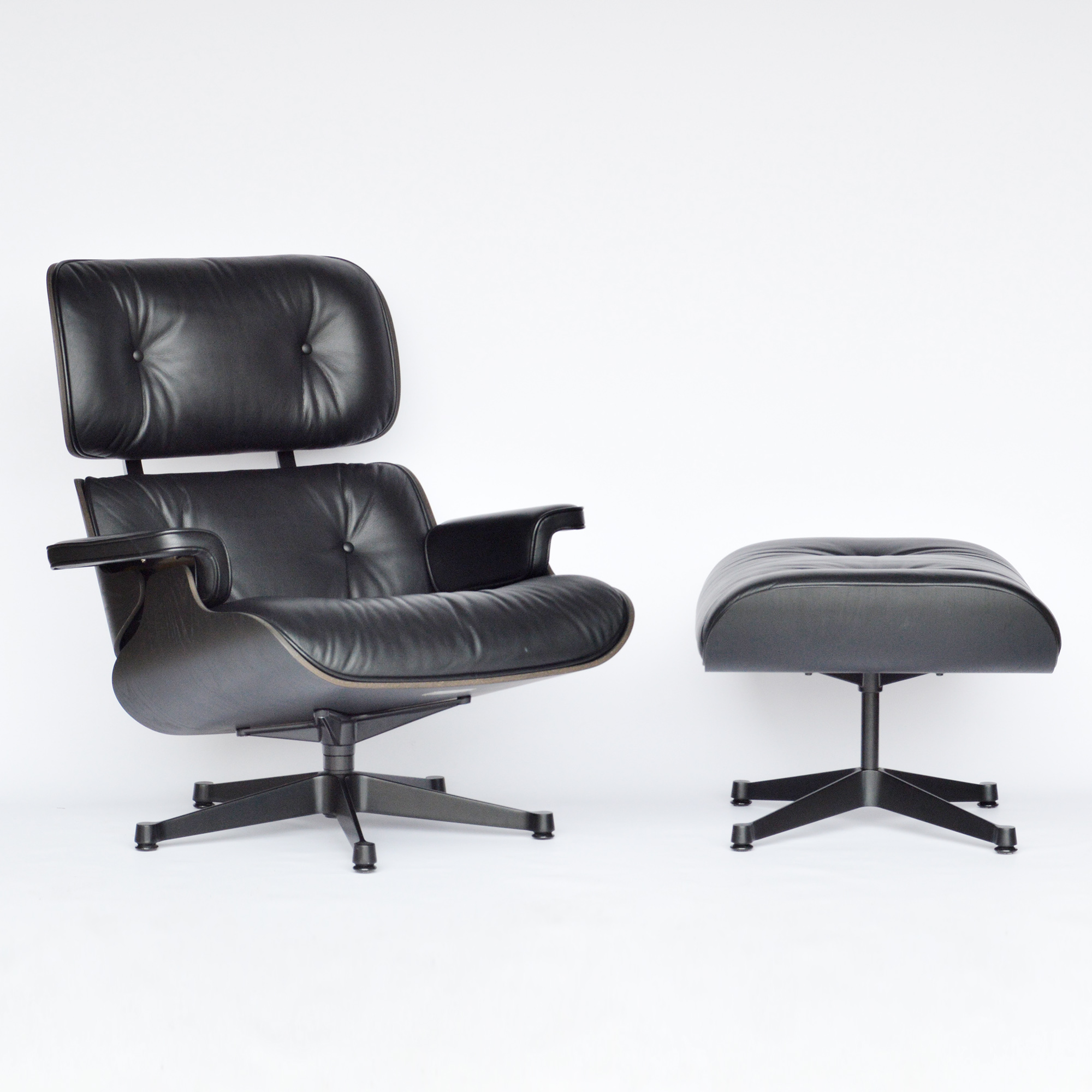 Dark Tone 2019 Vitra Eames Lounge Chair & Ottoman