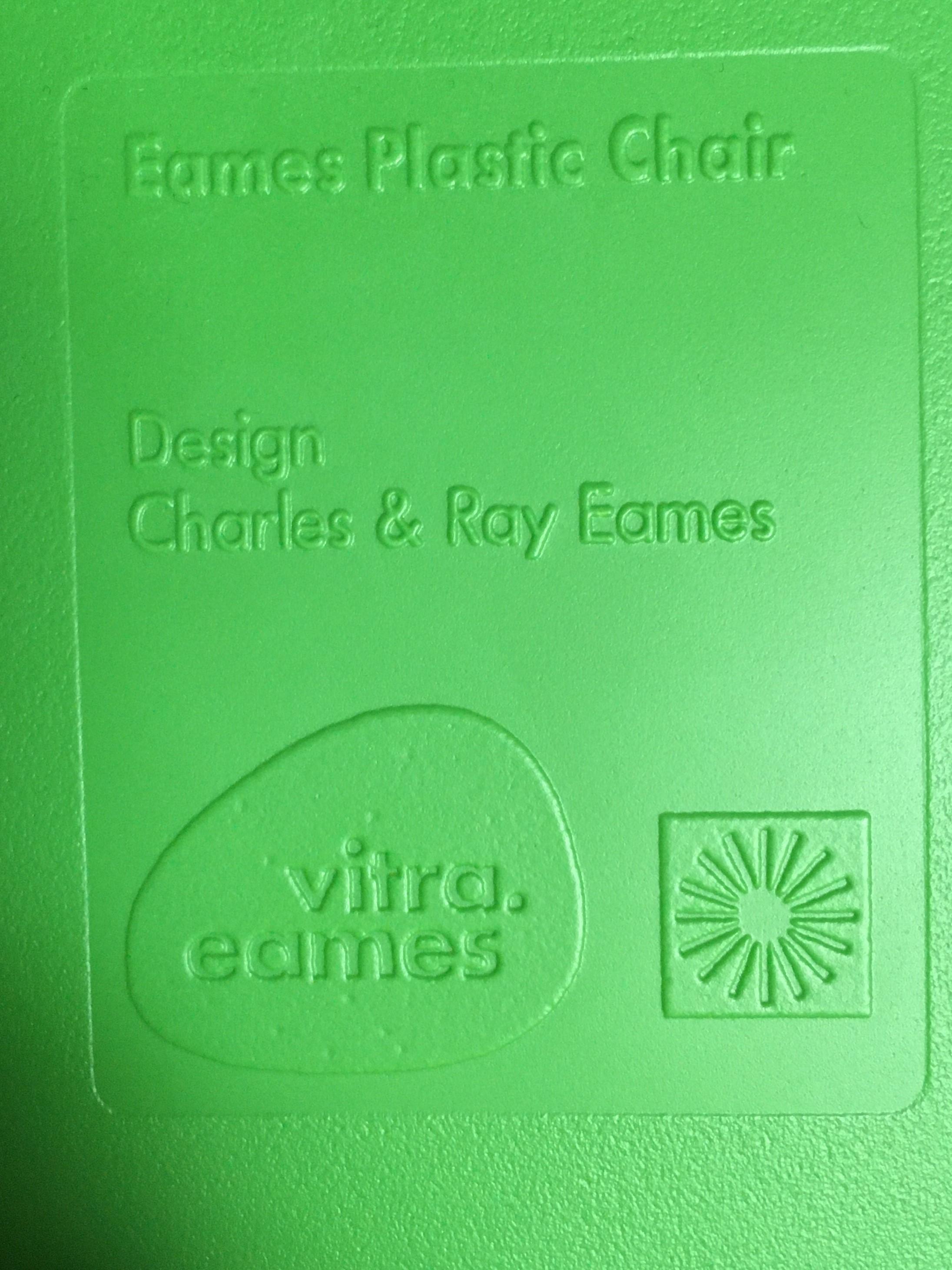 Green 2014 Vitra Eames DSR Eiffel Side