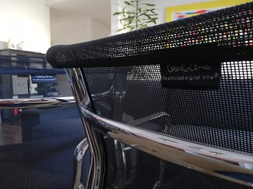 Black 1958 Vitra Eames Soft Pad low Back Side Chair
