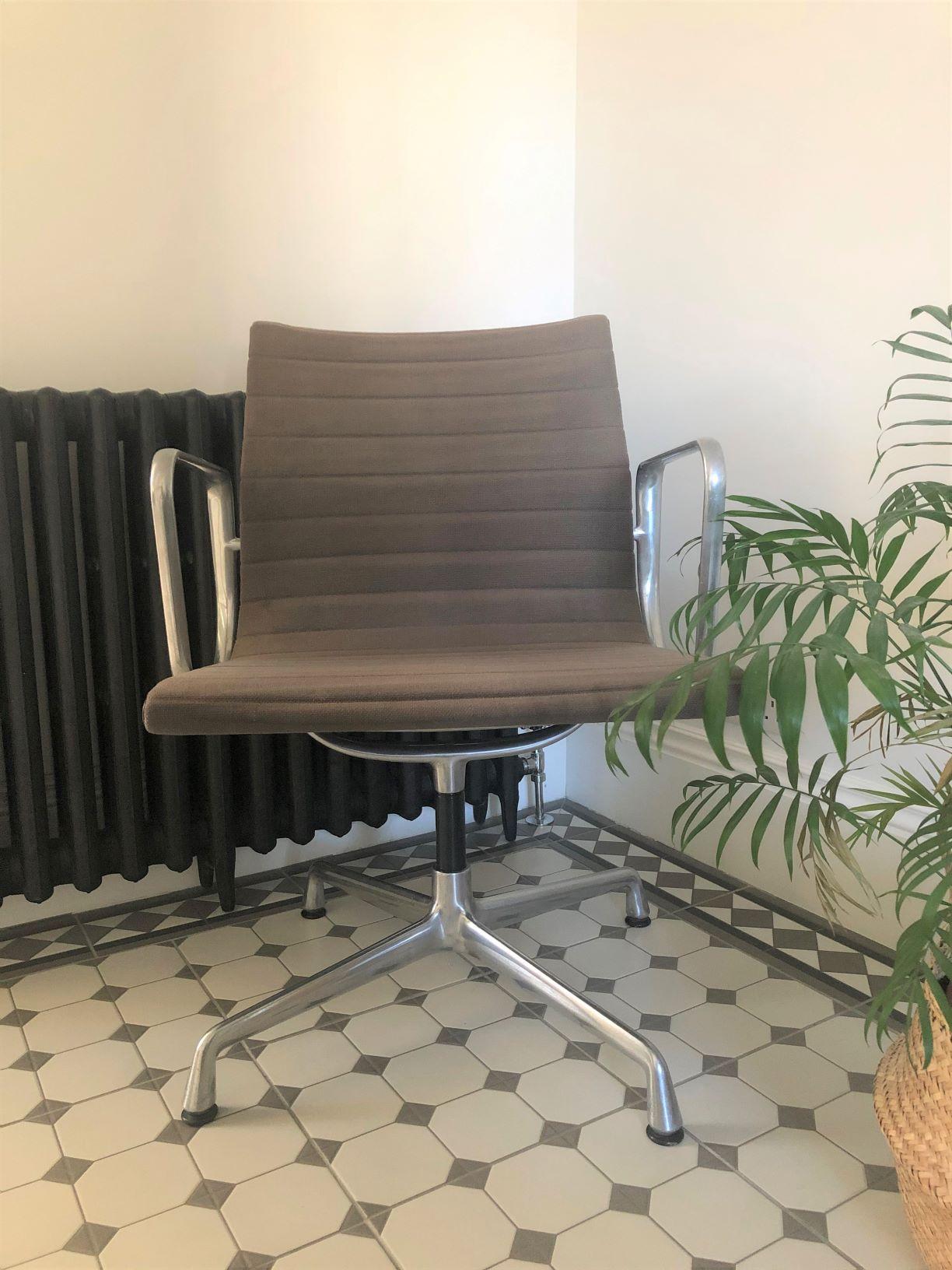Medium Grey Vitra Eames Intermediate Chair
