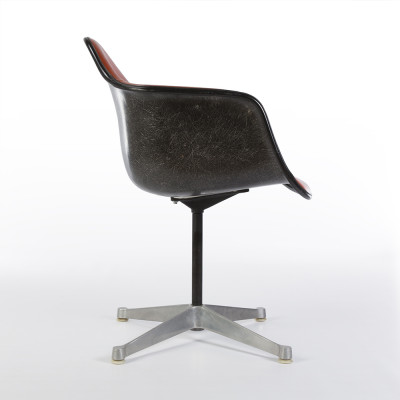 Side view of second generation PAC chair with the contract base